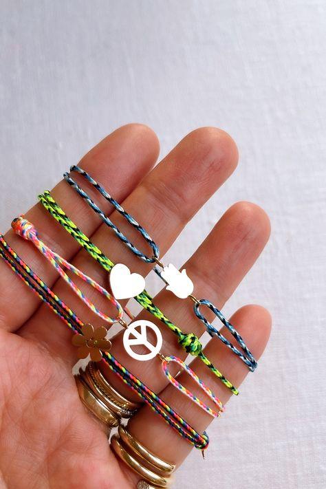AGJ x HWTF: DIY Happy Daze Charm Bracelet - Honestly WTF