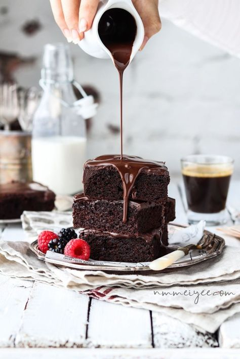 Ultimate chocolate brownies (Vegan, gluten free)   #foodphotography #foodstyling   Pinned to Loveleaf Co.