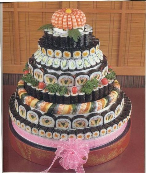 Sushi Art - oooo! a sushi cake!