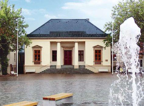 Das Standesamt Neustadt In Holstein Bietet Den Brautpaaren