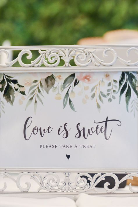 Sweet note for your wedding guests at the dessert table | Wedding reception in Punta Cana | Dominican Republic | Wedding photography and video by Milan Photo Cine Art #wedding #weddingreception #beachwedding #weddingdesserttable #desserttablesign #weddingguests #weddingidea #lovenote #weddingparty #friends #puntacana #milanphotocineart #photocineart