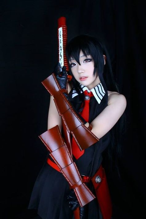 yuuri-cs Lightning cosplay from Final Fantasy XIII. Wow