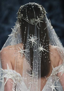 Dreaming of a star wedding dress? A constellation-print veil? A sun-and-moon tiara? We've got them all right here in our celestial bridal style run-down! Star Wedding, Dream Wedding, Wedding Day, Boho Wedding, Wedding Jewelry, City Hall Wedding, Trendy Wedding, Wedding Bride, Rustic Wedding