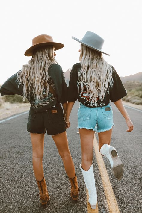 Cowgirl Style Outfits, Country Style Outfits, Southern Outfits, Rodeo Outfits, Outfits With Hats, Cute Outfits, Summer Country Outfits, Summer Cowgirl Outfits, Southern Girl Style