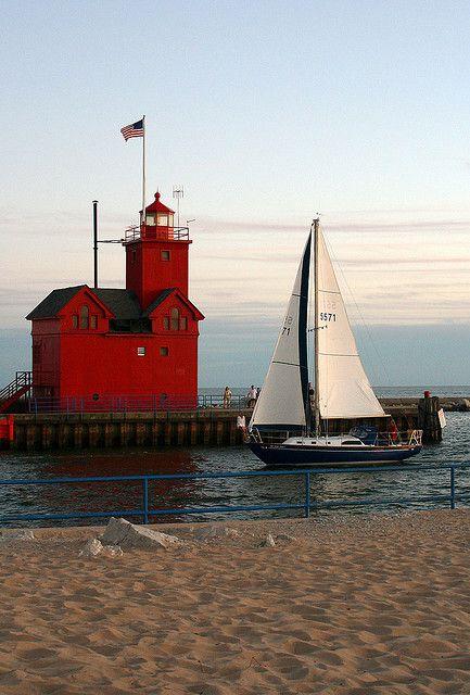 Faro del puerto de Holanda en el lago Michigan