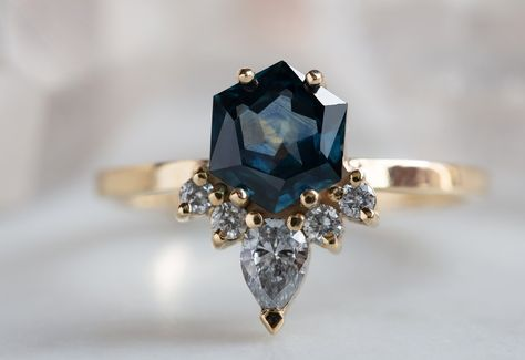 One of a Kind Montana Sapphire Hexagon + Diamond Engagement Ring Einzigartiger Montana Sapphire Hexagon + Diamant-Verlobungsring Diamond Wedding Rings, Engagement Ring Settings, Bridal Rings, Vintage Engagement Rings, Vintage Rings, Diamond Rings, Diamond Engagement Rings, Solitaire Diamond, Halo Engagement