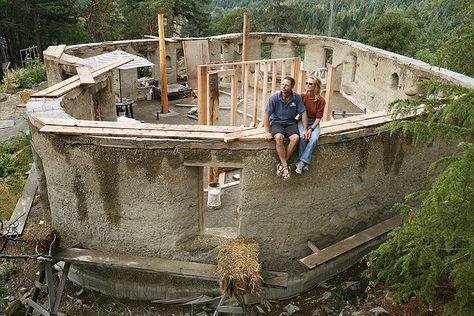 cob house in the making