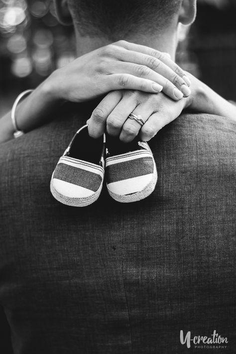 u-creation photography maternity pregnancy Couple Maternity Poses, Couple Pregnancy Photoshoot, Maternity Photo Outfits, Outdoor Maternity Photos, Maternity Photography Outdoors, Family Maternity Photos, Baby Bump Photos, Maternity Pictures, Baby Shower Photography