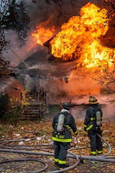 Pin Von Olli ʉȵbᶒlįɇѷᾳƃịɘ ħoʈ0ᵴ Auf Feuerwehr Notruf 112 Feuerwehr Notruf Feuerwehr Und Hot Shots
