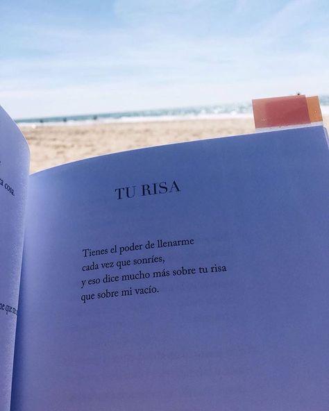 De mi libro, #ConTalDeVerteVolar 📸: @elvirabech . ¡Me encanta cuando lleváis mi libro a la playa y me mandáis fotos! _________ #SantJordi…