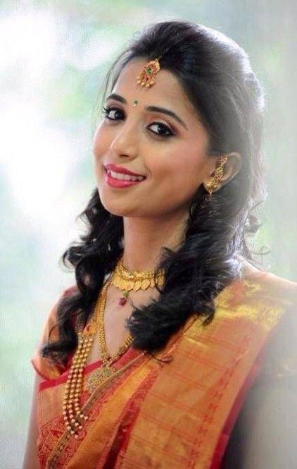 Wedding Hairstyle Saree Indian Hairstyles Indian Bridal Hairstyles Indian Bride Hairstyle
