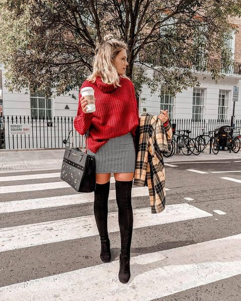 We've fallen in love with @jesschamilton's look! 🍂❤️ Jumper £10/€13, Jacket £25/€30 (Available in: 🇬🇧🇩🇪🇳🇱🇦🇹🇧🇪) #Primark #fashion #fblogger #AW18
