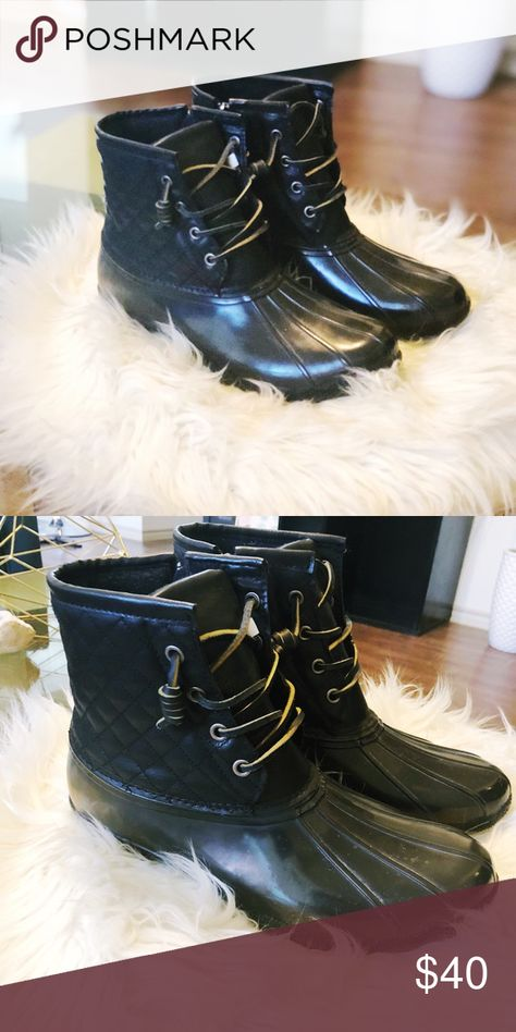 dcfea0a81f6 Steve Madden Tillis Duck Boot Gear up for cold weather with these Steve  Madden Tillis Duck Boots. Perfect for those cold rainy days. Never worn