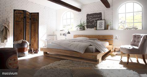 Das Bett Madras aus massivem Akazienholz fällt besonders durch seine wunderschöne Maserung und die außergewöhnlichen Füße auf. Massivholz sorgt außerdem für ein gesundes Raumklima.