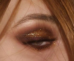 Roses and gold 🎀 afterglow palette working girl multi use gloss mambo brown eyeliner Makeup Eye Looks, Creative Makeup Looks, Eye Makeup Art, Cute Makeup, Pretty Makeup, Makeup Inspo, Makeup Inspiration, Makeup Tips, Beauty Makeup