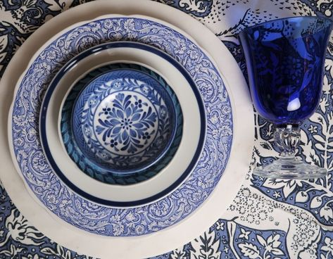 Host like a pro with blue and white mix-n-match classic dinnerware. Pump up your tabletop game with our curated selections.   #interiordesign #tabletop #OSE #blueandwhite #bluechinoiserie #chinoiserie #bluespode #bluewillow #patternplay #patternmix #mixandmatch #dinnerplate #tablesettings #host #dinnerparty #tabletalk #holidays #classic #timeless #bluedishes #blueglass #tablecloth #tablelinens #shopstyle #designedbyKND