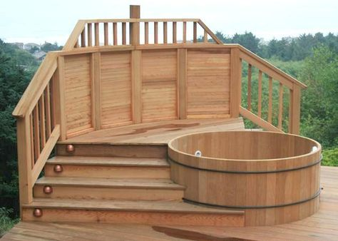 beautiful round tub in full teak Hand Crafted Japanese Bath Tubs