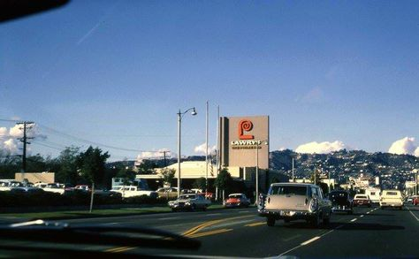 In 1938, Lawry's the Prime Rib opened its original restaurant on La Cienega Boulevard on the edge of Beverly Hills. Fields of mustard grew along the street, which is now referred to as Restaurant Row, and the price of dinner