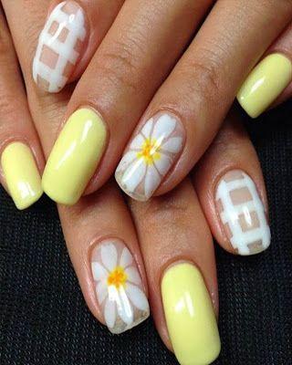 Diseño De Uñas Amarillas Con Flores De Moda Uñas