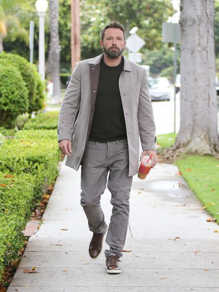 Ben Affleck Lifestyle Wiki Net Worth Income Salary House Cars Favorites Affairs Awards Family Facts Biography In 2020 Ben Affleck Superhero Film Net Worth