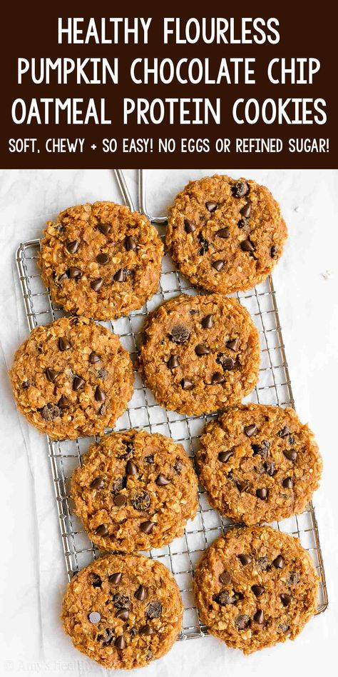 Protein Desserts, Protein Snacks, Oatmeal Protein Cookies, Protein Powder Cookies, Protein Cookie Recipe, Pumpkin Chocolate Chip Cookies, Cookies Soft, Chocolate Chip Oatmeal, Healthy Cookies