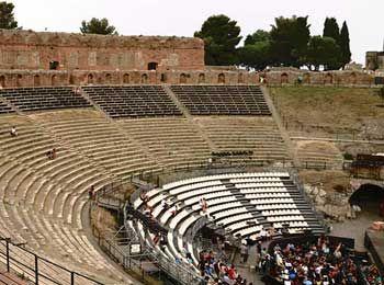 Calendario 2016 Teatro Antico Taormina