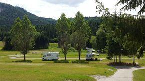 Seecamping Muller Naturcampingplatz Mit Skandinavienfeeling Camping Wohnmobil Touren Weissensee Karnten