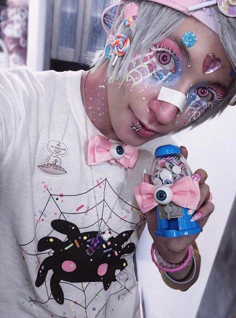 the super cute caz fhey wearing the super cute spiderpai tee