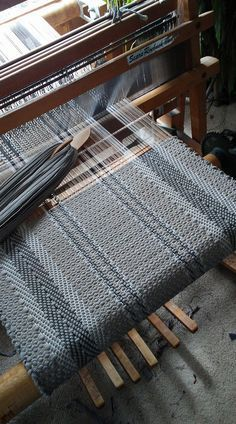 Hollywood Rag Rug Weaving Techniques
