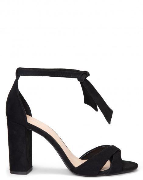 pinterest: @ nadjaaa | Sandalia de veludo, Sapatos
