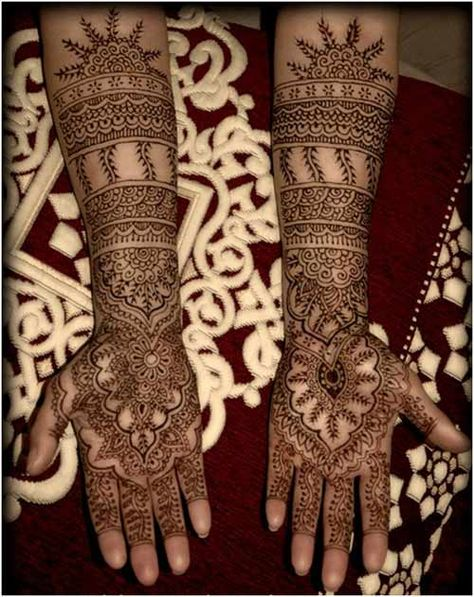 25 Outstanding Bridal Mehandi Designs For Your Wedding Day #henna #hena #mehendi #mehndi #indian #turkish #arabic #draw #drawing #hands # foot #feet #body #art #arte #artist #tattoo #bridal #wedding #love #beautiful #pic #picutre #photo #photography #foto #fotografia #detail #doodle #bw #black #white #bronze #red #color