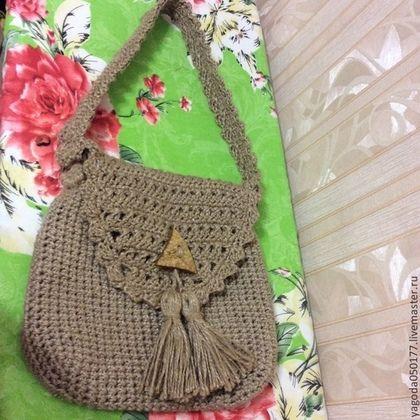 8c02bfdb7b13 Купить или заказать Сумочка вязаная с кисточками из джута. в интернет- магазине на Ярмарке