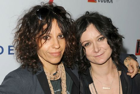 Sara Gilbert Linda Perry Feature