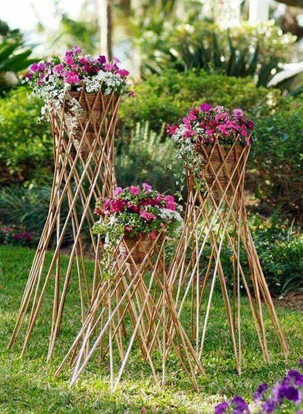 Willow Urn Trellis Wut Diy Garden Furniture Garden Supplies Raised Bed Garden Design