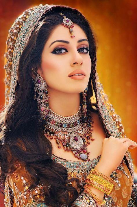 Indian Dulhan New Look Makeup Ideas 2014 For Girls Image Download Pakistani Bridal Makeup Pakistani Bridal Pakistani Bridal Wear
