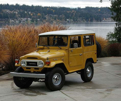 1978 Toyota Land Cruiser I'm loving this Jeep. Toyota Land Cruiser, Toyota Fj40, Toyota Trucks, Quad, Trailers, Cute Cars, Japanese Cars, Classic Cars Online, Vintage Trucks