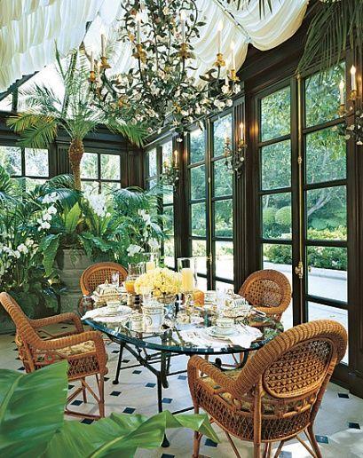 Sun Room Conservatorygreenhouse Interior De Mansión