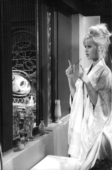 Brigitte on the set of Le repos du guerrier, 1962.