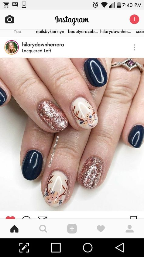 Nail art Christmas - the festive spirit on the nails. Over 70 creative ideas and tutorials - My Nails Summer Acrylic Nails, Acrylic Nail Art, Glitter Nail Art, Summer Nails, Love Nails, Pretty Nails, My Nails, Deer Nails, Holiday Nails