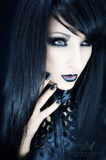For Many Individuals Who Love Sporting Gothic Style Fashion Clothes And Accessories One Must Always Aim To App In 2020 Gothic Hairstyles Gothic Outfits Gothic Fashion