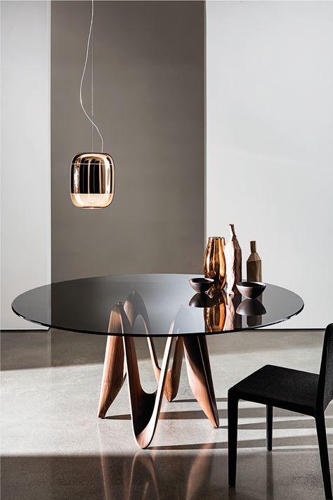Tavolo Rotondo Vetro Design.The Beautiful Lambda Shapes Enriched By The Smoked Glass Top