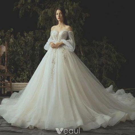 136 totally unique fashion forward wedding dresses -page 42 > Homemytri.Com - #Dresses #Fashion #HomemytriCom #Page #Totally #Unique #Wedding