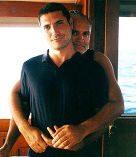 Gianni Versace And His Boyfriend Antonio D Amico Em 2020 Modelagem