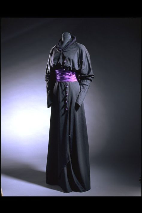 Mourning Dress  1910-1912  The Victoria & Albert Museum