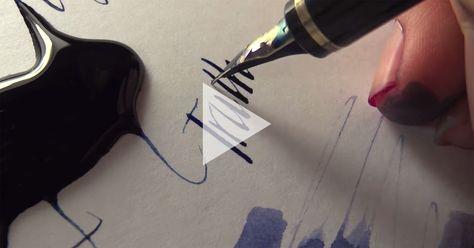 L'eternità della scrittura a mano Osservando questa cerimonia, l'attenzione ai segni, la forma di ciascuna lettera, l'armonia della parola, i colori, l'inchiostro sulle dita, il suono evocativo della penna che graffia il foglio, l'erotismo suggerito dalla lentezza che acumina il pensiero, lo rafforza, gli dà il tempo necessario a trasformarsi in frasi lucenti. #scrittura