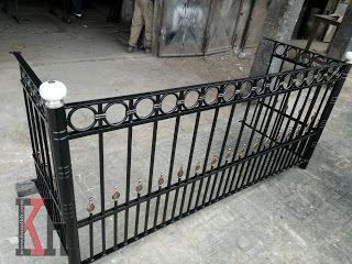 شباك حديد فيرفورجيه نافذة الشرفة Balcony فن زخرفة Fer Forge Iron Windows Wooden Wall Art Wrought Iron