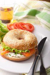 Sandwichs Bagels saumon fumé et crème de ciboulette