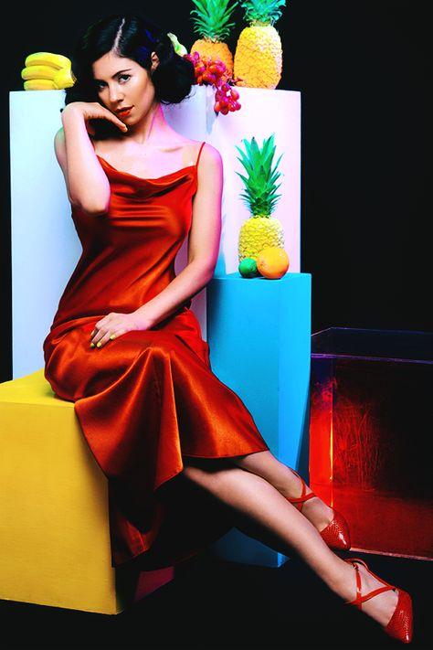 Froot Photoshoot Marina And The Diamonds Dizajn Kostyumov