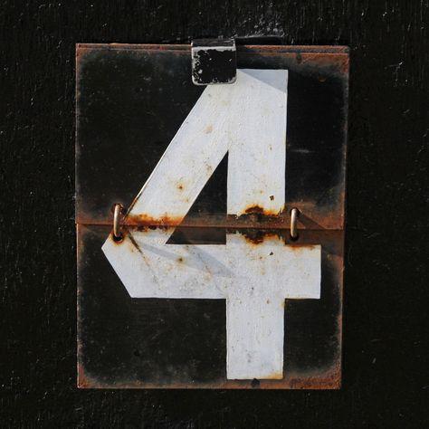 Cricket Scoreboard Number 4 | da Leo Reynolds