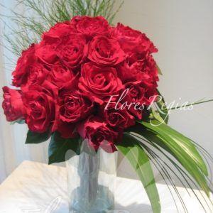 Bouquet En Cilindro De 24 Rosas Rojas Rosas Rojas Flores Rosas
